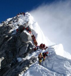 everest- expedition-in Nepal